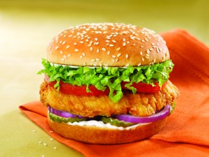 120518_CrispyChickenBurger_hr